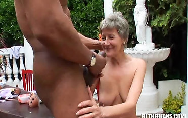 Granny Kitty smashed with big blackguardly cock hardcore