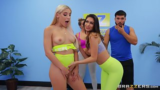 Pussy and ass eating after yoga class - Abella Speculation & Katana Kombat