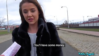 Random chick filmed when spinning gumshoe in munificence ways