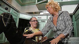Of age housewife Regi sucks plumber's strong cock before giving him a ride