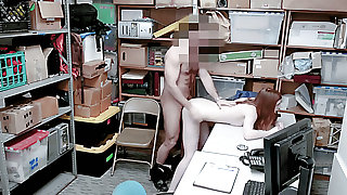 American chick Pepper Hart gets raunchy and fucked by incorrect cop
